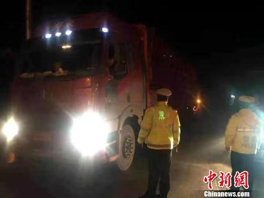 广西等中南6省份联动 严查高速公路8类交通违法