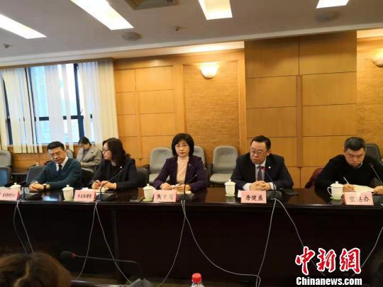 上海市消保委披露上海新消费研究中心对航空常旅客进行调研的结果。 陈静 摄