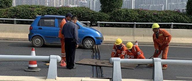 南宁葫芦鼎大桥因桥面发生断裂致严重拥堵 已临时修复