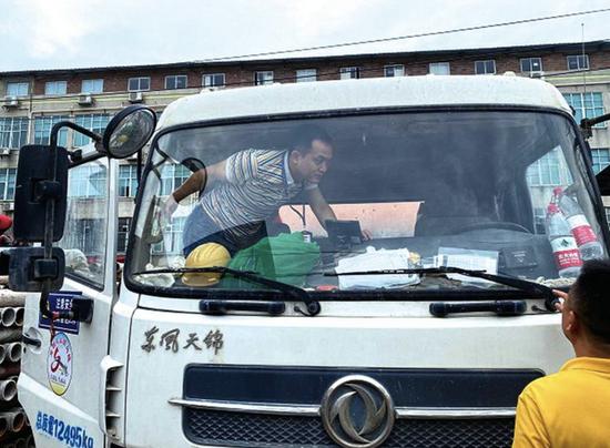 南宁开展柴油车在线监控试点 尾气排放异常马上报警