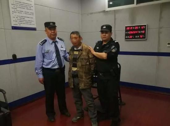 潜逃1年后被抓。来源:警方供图