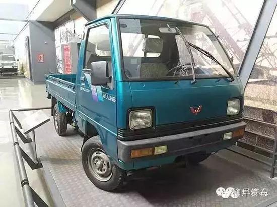 1999年生产的LZ1010P微型货车