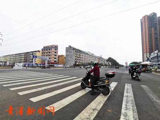 (中山北路观天下路口-调整前)