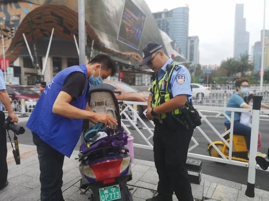 注意!南宁交警在这个路口处罚了82起交通违法行为