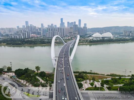 资料图 南宁大桥(叶子榕 图)