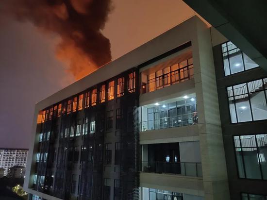 """原因公开!""""4.4""""广西大学一教学楼发生火灾原因竟是……"""