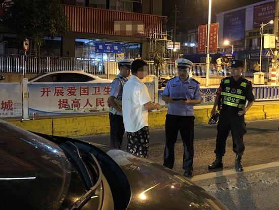七夕节南宁51名酒驾司机被查 有人被罚1250元记25分