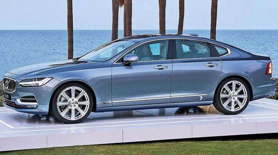 车身整体的线条一气呵成,不少到店看过S90的人都会由衷的赞赏这辆车。