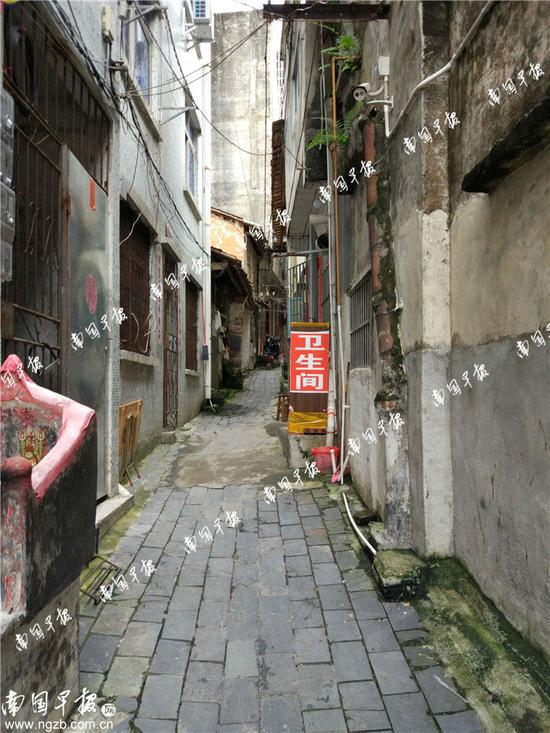 ▲位于北海老街金鱼巷的收费卫生间。
