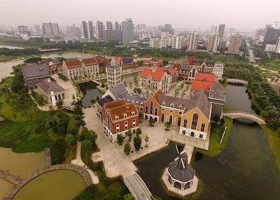 ▲南宁·中关村创新示范基地,建筑主打欧式风格。