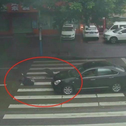 柳州一司机斑马线前疯狂加速 将老人撞飞(图)