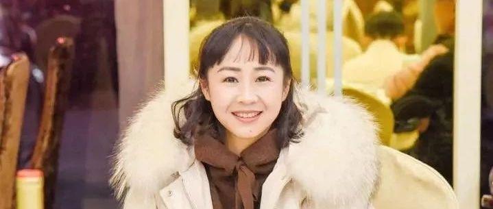 杭州45岁宿管大姐火了 女生追着问她保养秘诀