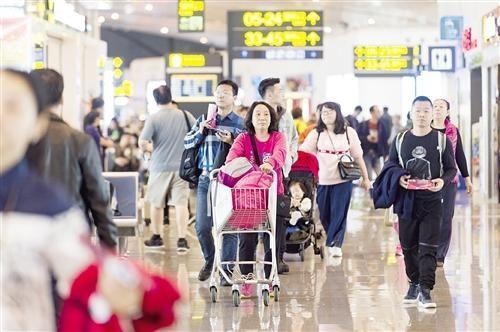 南宁国航新建设:下了飞机上地铁 往来市区很方便