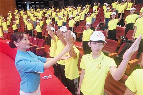 环广西16日开赛 3000人次志愿者服务南宁站比赛