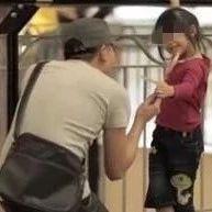 柳州街头有人用钱诱拐小孩并摘取器官?真相让人愤怒