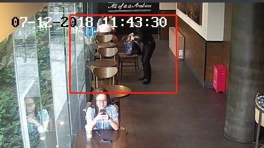 离开一会儿背包就被盗!男子在同一咖啡店内两次作案