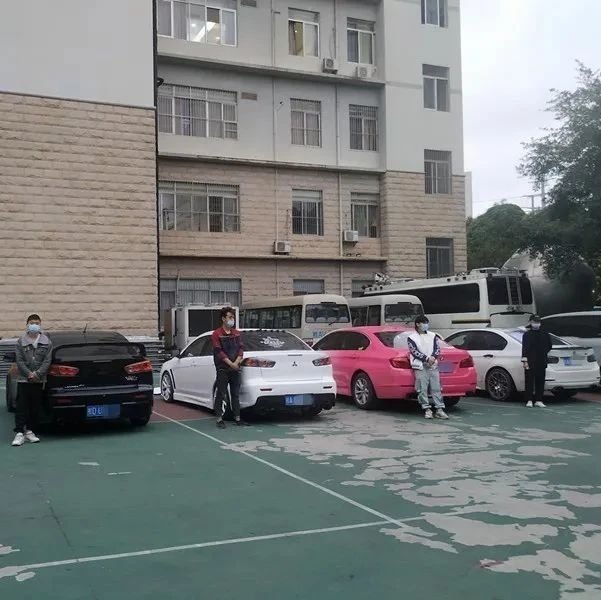 """南宁江滨路有人飙车""""炸街""""?交警锁定7辆嫌疑车"""