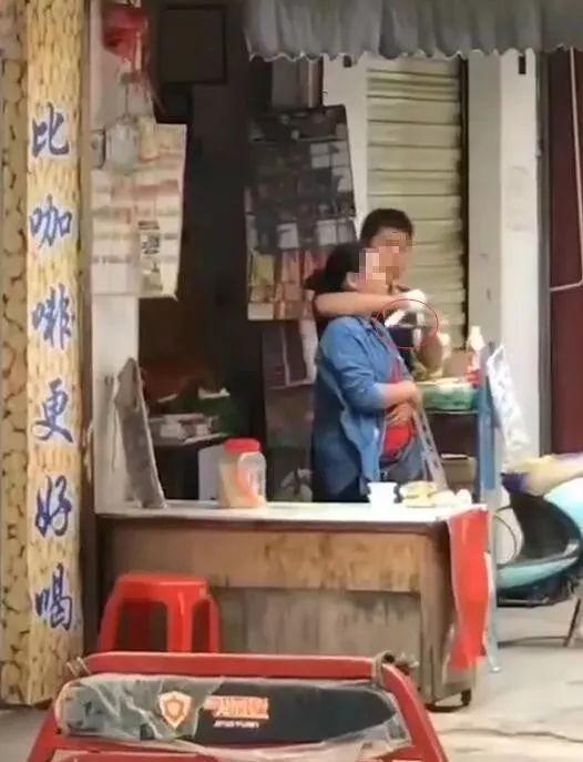 局长夺刀救人:嫌疑人因家庭恩怨劫持人质