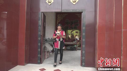 28年来全家人未曾拍过全家福。 王惠琳 摄