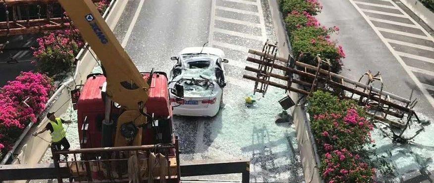官方通报!南宁竹溪立交桥景观灯柱倒塌事故已妥善处置
