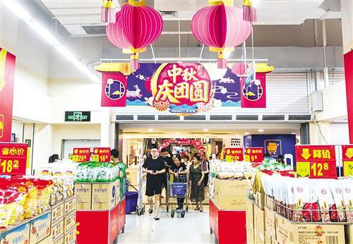 南宁中秋小长假:逛、吃唱主角 地铁出游成新宠