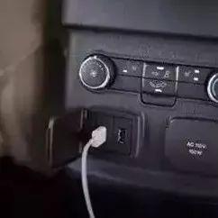 车内给手机充电越充越少?开车充电后果原来这么严重