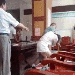 广西:结婚登记时姑娘遭男友暴打 打完又开心领证了