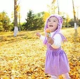 秋意渐浓宝宝该怎么穿衣?收好这份幼儿穿衣实用准则