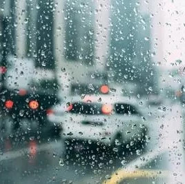下雨就当洗车了?暴雨过后 该怎样保养车辆