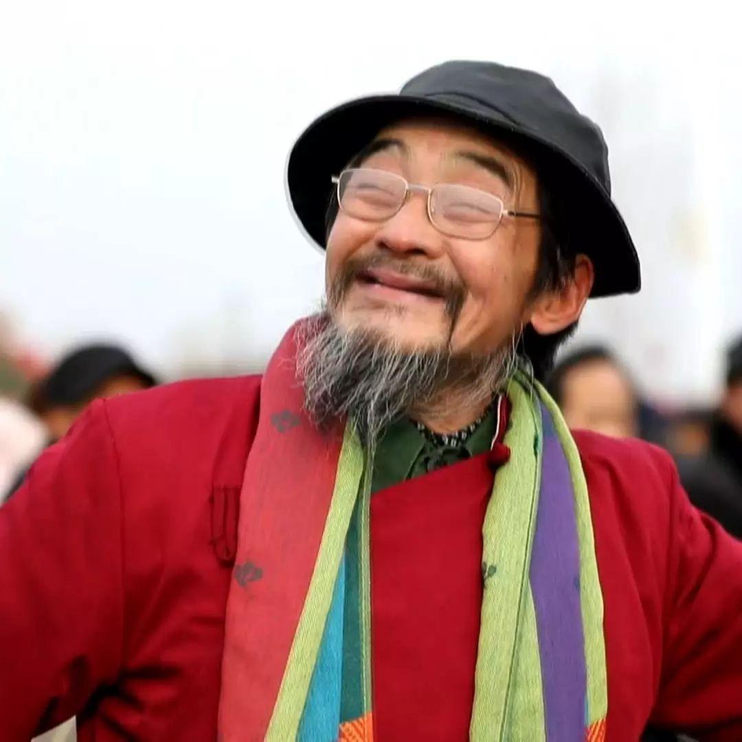"""一位99岁的老人 一场延续了700年的""""麦田快闪"""""""