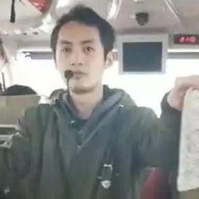 桂林8块钱旅游团午饭白饭配腐乳 游客不消费导游发飙
