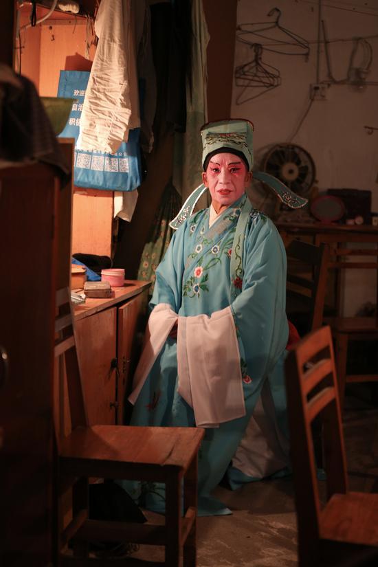 蔡湘琴75岁,原桂剧专业演员。