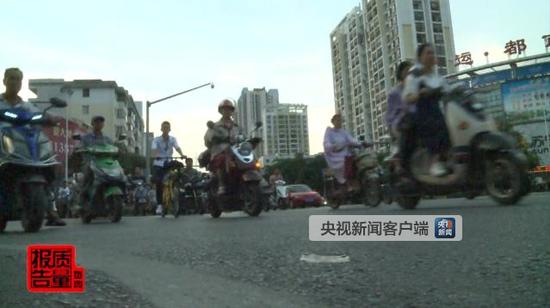 南宁市去年电动自行车违规引发交通事故致53人死亡