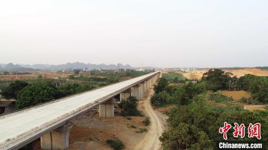 新建南宁至崇左铁路建设现场。 姚庆龙 摄