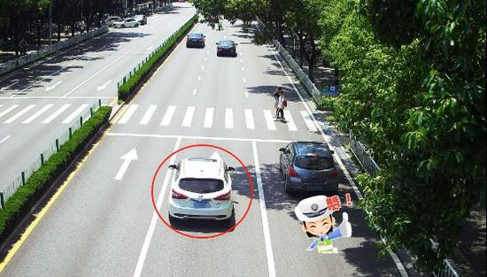 桂林交警发狠!不礼让行人 一月内10000多辆车被罚