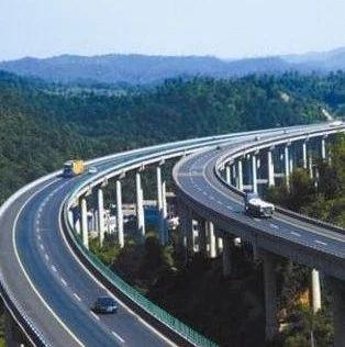 提醒!假期高速公路行车 一定要注意这3点
