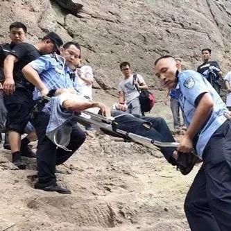 紧急!驴友登山不慎摔骨折 桂林资源民警火速营救