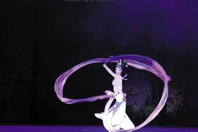 冯洁生前是一名舞蹈演员。受访者供图