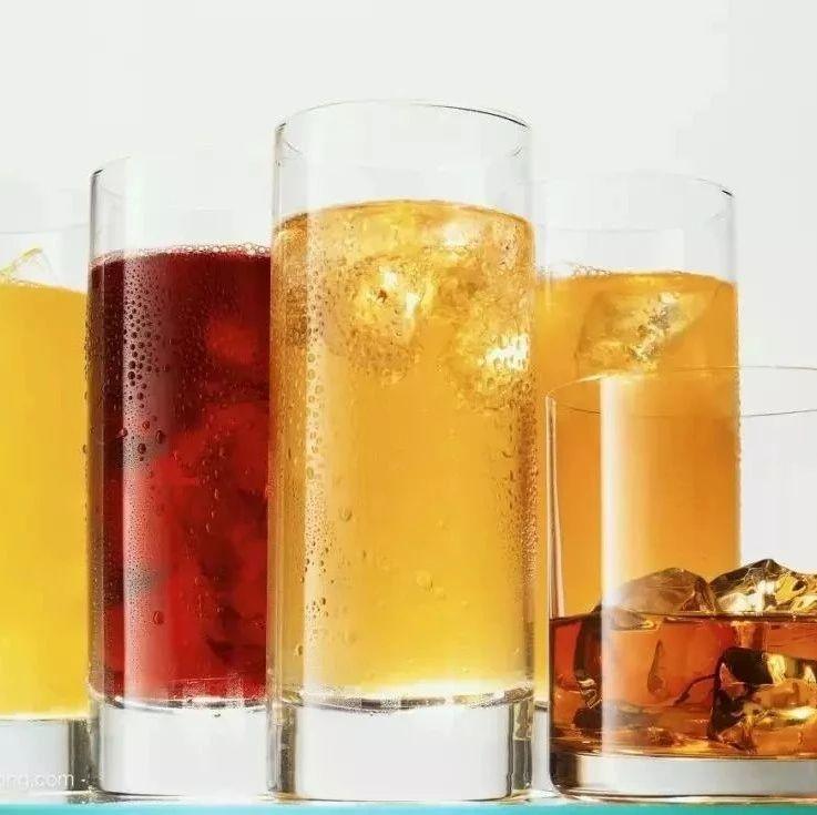 水、茶、橙汁…没喝完的饮料放一天还能喝吗