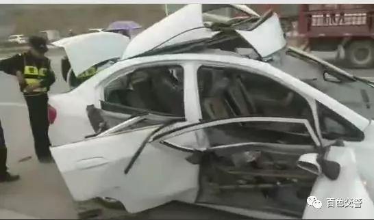 ▲小车受损严重