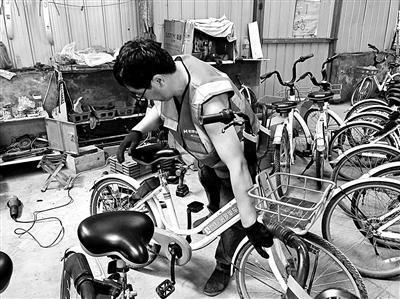 共享单车回收流程揭秘:废旧塑料变身塑料盆