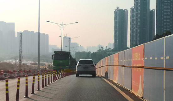 南宁凤岭北路主车道年底即将全线施工完毕