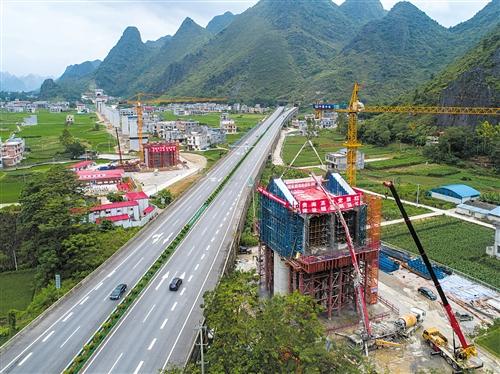 贵南高铁澄江双线特大桥正在抓紧建设 (建设方供图)