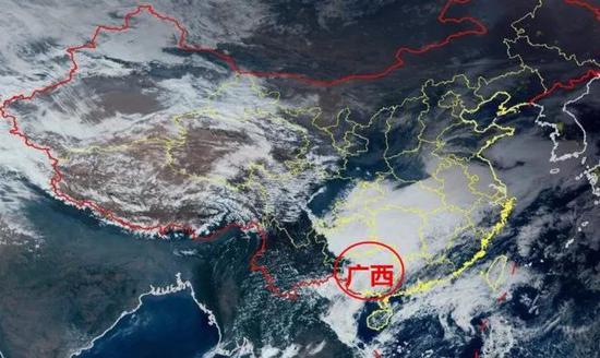 19日15时,卫星云图显示广西上空被厚厚的云层盖住