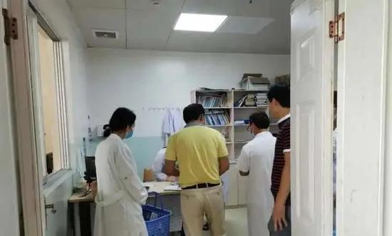 贺州富川一小学发生疑似食物中毒事件 25人出现不适