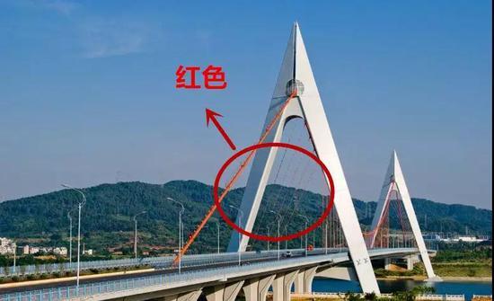 速看!网传鹧鸪江大桥货车爆炸视频系谣言 惊动警方
