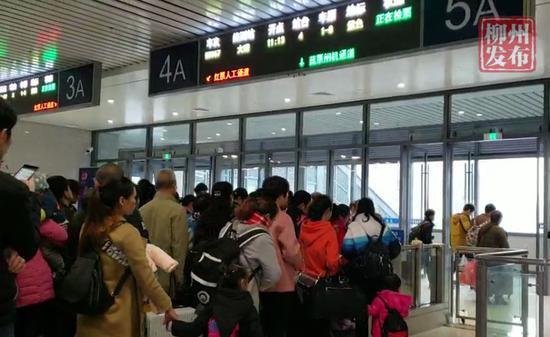 高大上!今天柳州火车站东面候车室正式启用