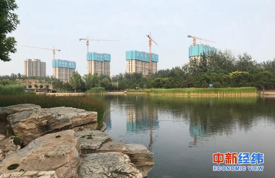 北京朝阳区在建楼盘 中新经纬 薛宇飞 摄