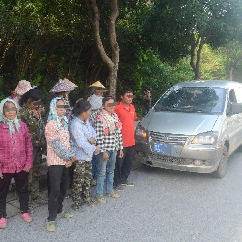 南宁街头一辆7座面包车钻出19人 交警震惊了