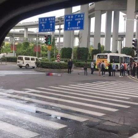 操作失误!上海高架事故坠亡摩托车手年仅17岁